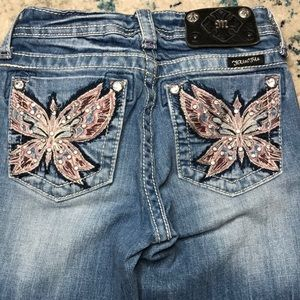 These jeans are a girls dream! Miss me